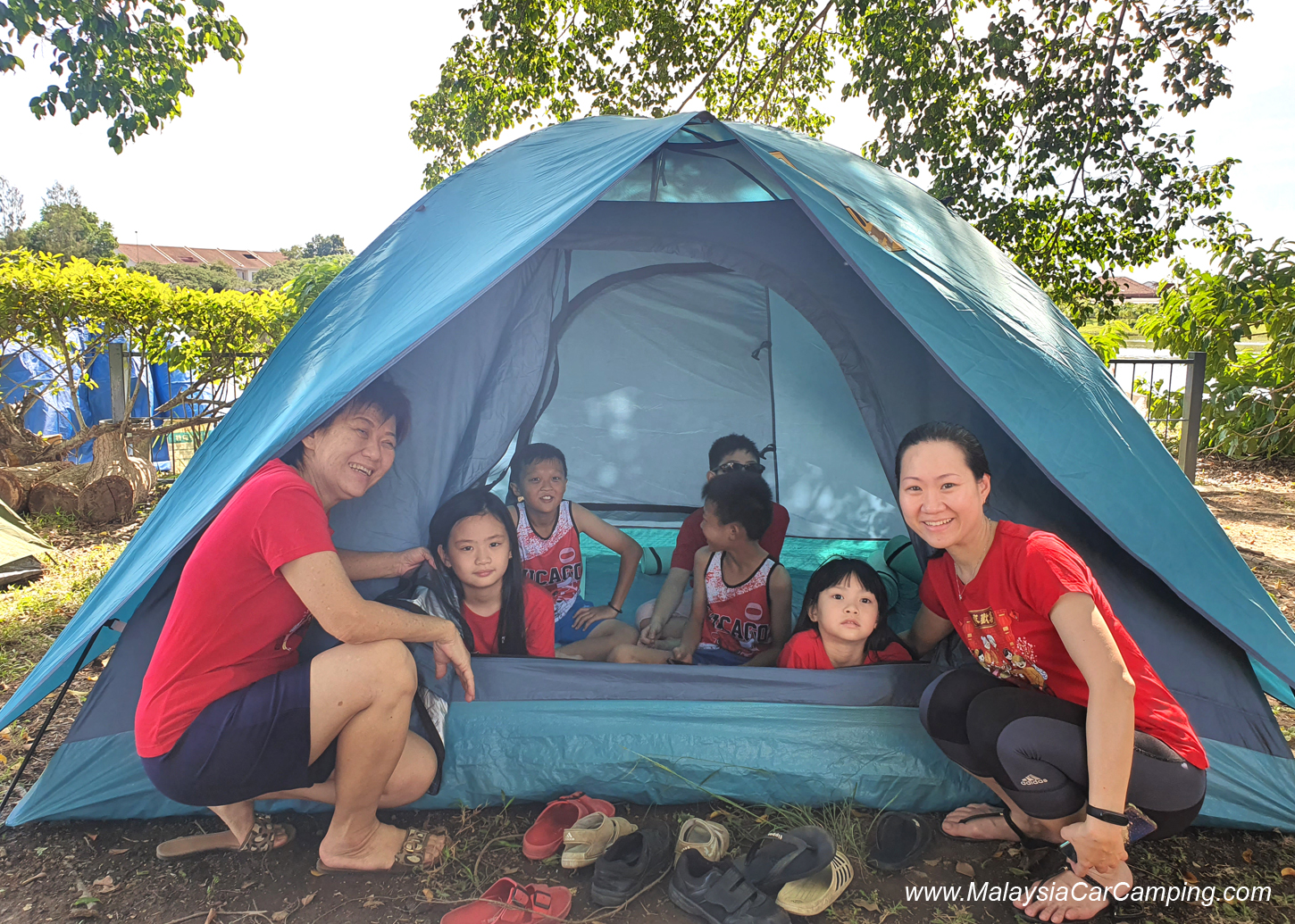 camping_with_dogs_puppy_lakeside_camping_malaysia_car_camping_malaysia_campsite-17