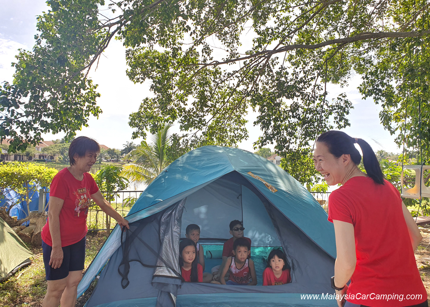 camping_with_dogs_puppy_lakeside_camping_malaysia_car_camping_malaysia_campsite-18