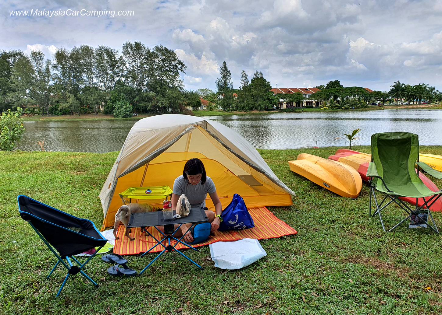 camping_with_dogs_puppy_lakeside_camping_malaysia_car_camping_malaysia_campsite-8