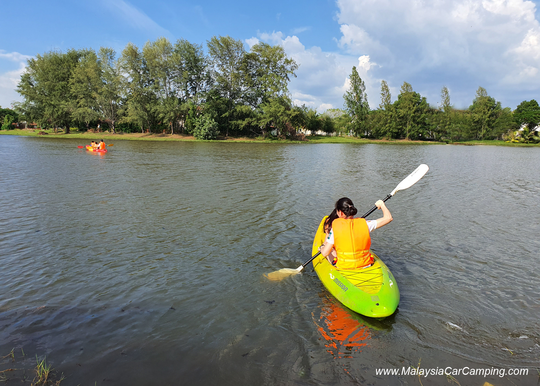 kayaking_puppy_lakeside_camping_malaysia_car_camping_malaysia_campsite-2