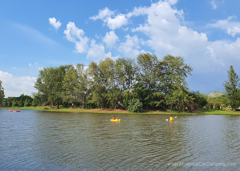kayaking_puppy_lakeside_camping_malaysia_car_camping_malaysia_campsite-4