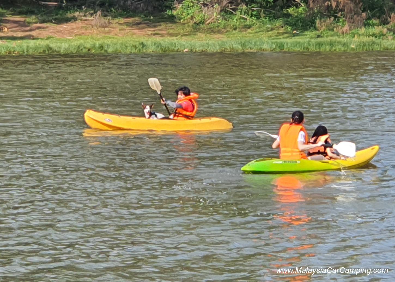 kayaking_puppy_lakeside_camping_malaysia_car_camping_malaysia_campsite-6