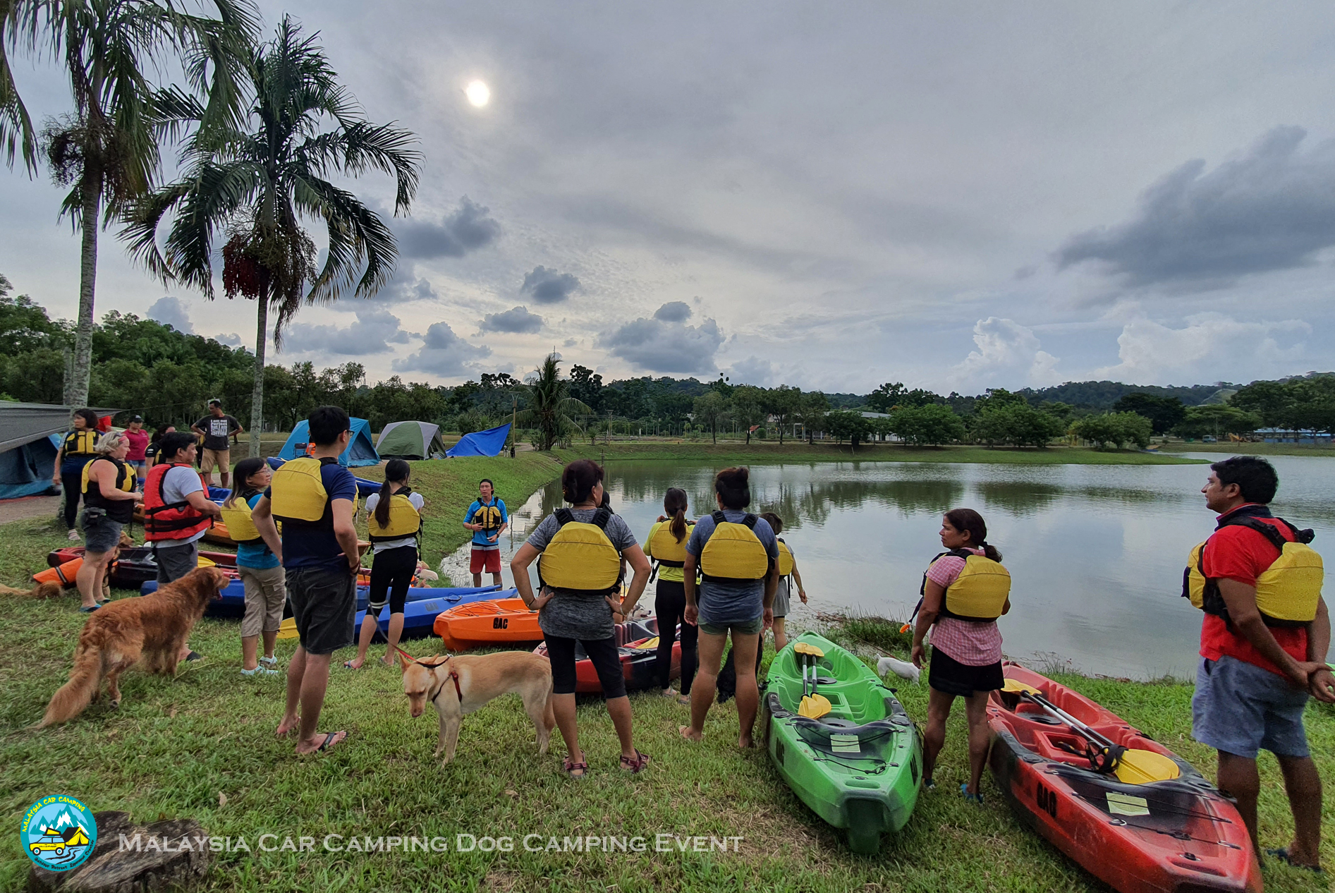 kayaking_dog_dog_camping_event_selangor_camping_site_malaysia_car_camping_private_event_organizer-3